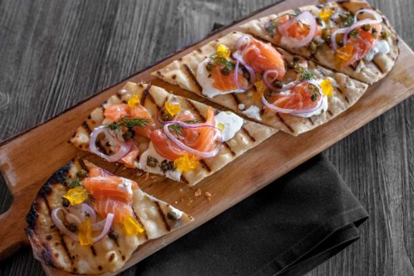 tap-and-vine-auburn-flatbread-800x532